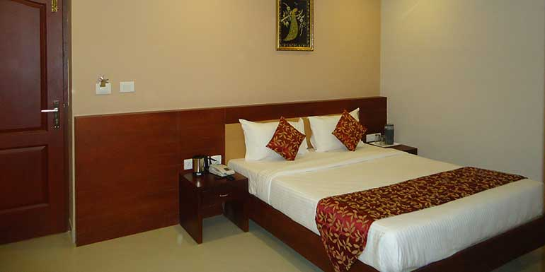 welcome to hotel pleasant Inn - Pondicherry